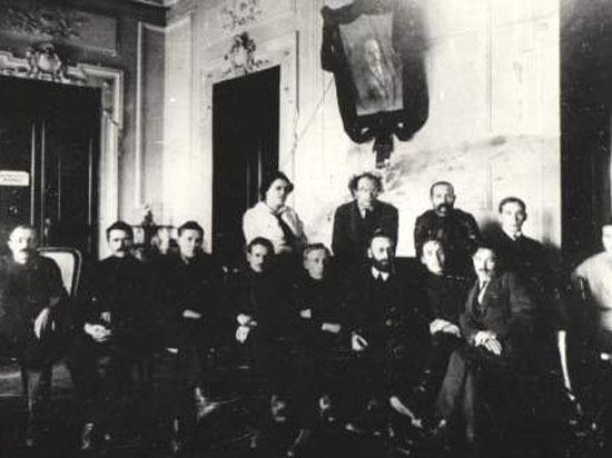 Сто лет назад окончательно истекло время Российской империи