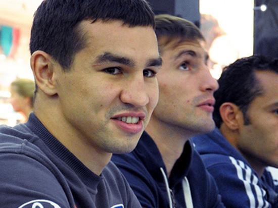 Саратовский боксёр сломал руку о голову соперника, но выиграл турнир